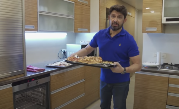 Dr. Shriram Nene orders pizza